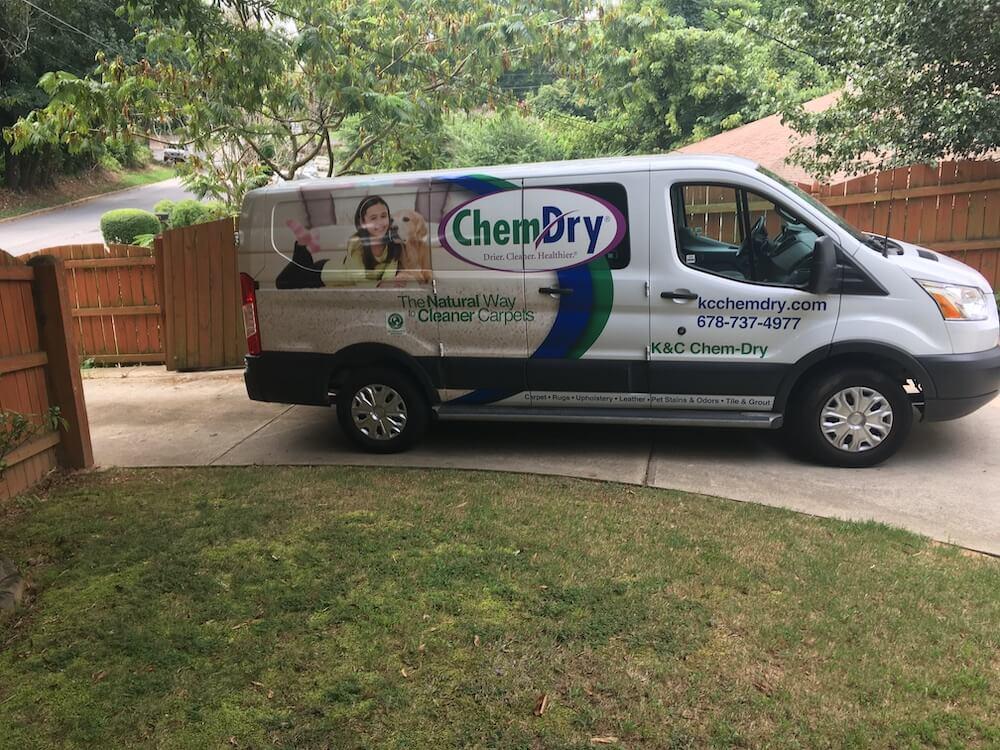 White K&C Chem-Dry van
