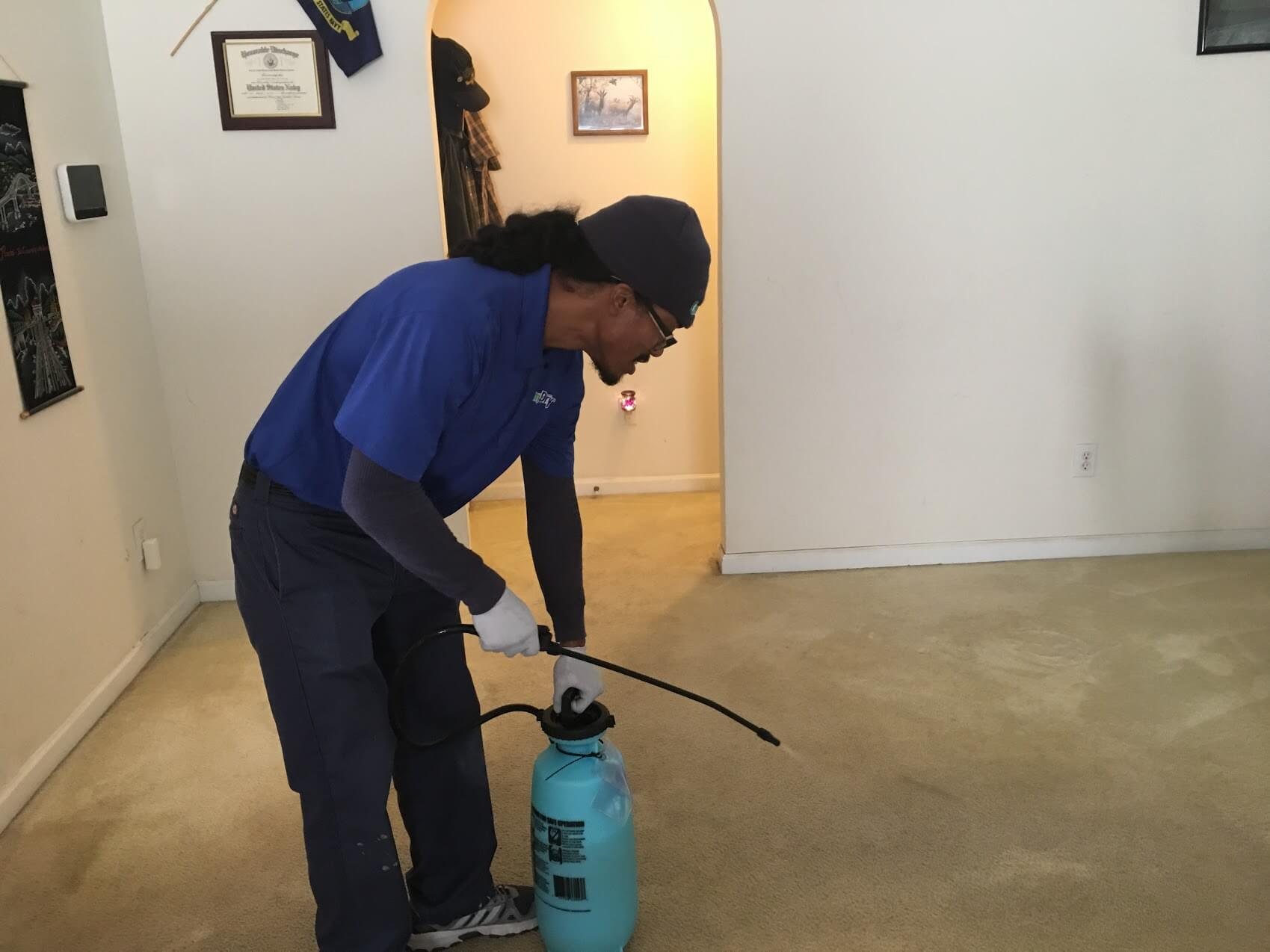 K&C Chem-Dry tech performing carpet cleaning in Atlanta home