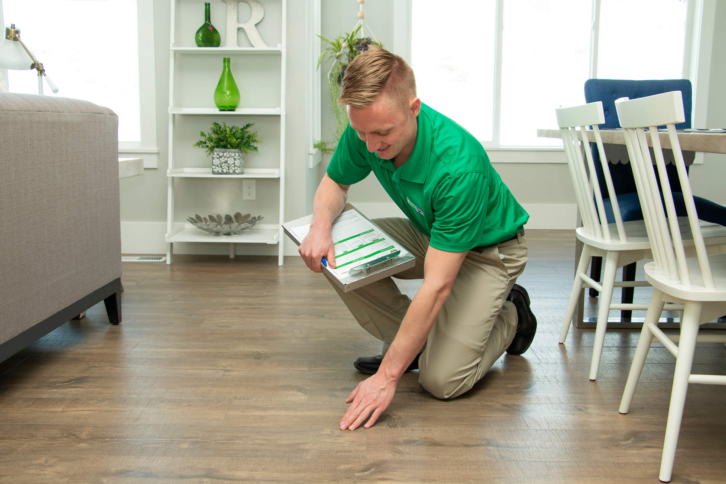 K&C Chem-Dry tech performing professional wood floor cleaning in gwinnett county ga