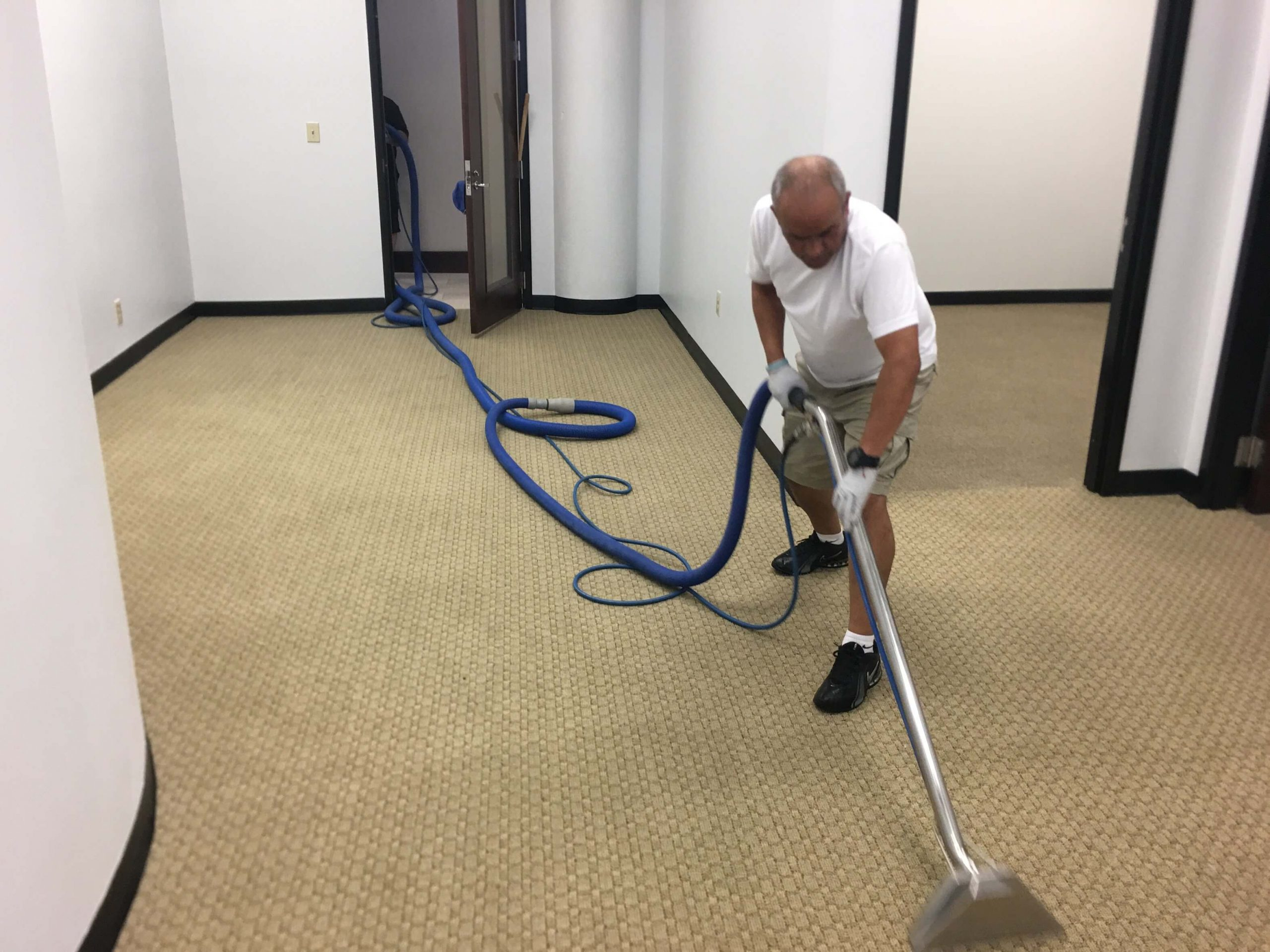 K & C Chem-Dry tech performing carpet cleaning in Fulton County, GA